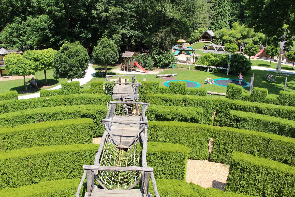 Prostrano otroško igrišče v Arboretumu