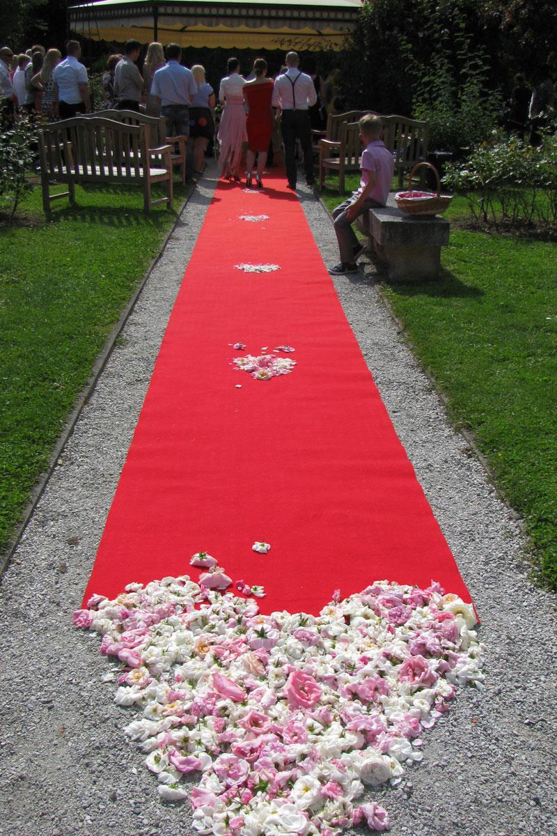 Rdeča preproga za poroko v Arboretumu