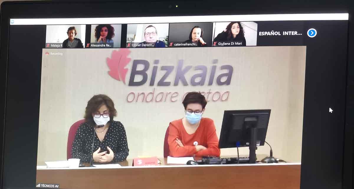 Video konferenca o zapuščini žensk